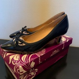 Navy patent faux leather low heels